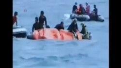 潛水員從亞航飛機殘骸中又打撈出四具屍體
