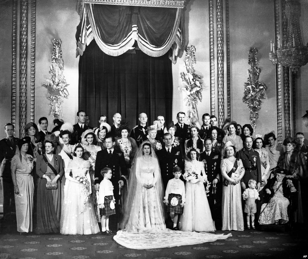 20 نومبر 1947 کو شہزادی ایلزبتھ سے شہزادہ فلپ کی شادی ہوئی۔ بعد میں یہی ایلزبتھ برطانیہ کی ملکہ بنیں۔
