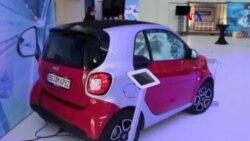 Carteles electrónicos en autos
