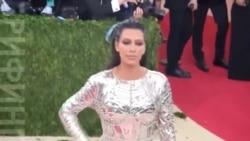 Ким Кардашьян судится с сайтом, который обвинил ее во лжи