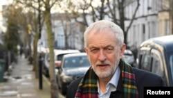 Lider britanske Laburističke partije Džeremi Korbin snimljen u blizini svoje kuće u Londonu, 14. decembra 2019.