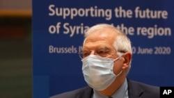 El jefe de política exterior de la Unión Europea, Josep Borrell, espera el inicio de una reunión, en la sede del Consejo Europeo en Bruselas.