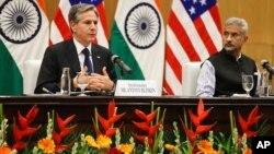 2021年7月28日美国国务卿布林肯(左)和印度外交部长苏杰生在新德里举行联合新闻发布会