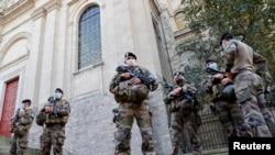 Polícia francesa em alerta máximo.