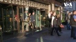 Президент України Володимир Зеленський у понеділок ввечері прогулявся вулицями Торонто. Відео