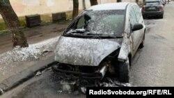 Uništeni automobil novinarke Radija Slobodna Evropa iz Lavova, Haljane Tereščuk.