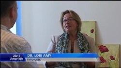 Libri i shkrimtares Lori Amy mbi diktaturën në Shqipëri