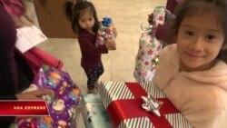 Quà Giáng sinh cho trẻ từ cộng đồng Việt