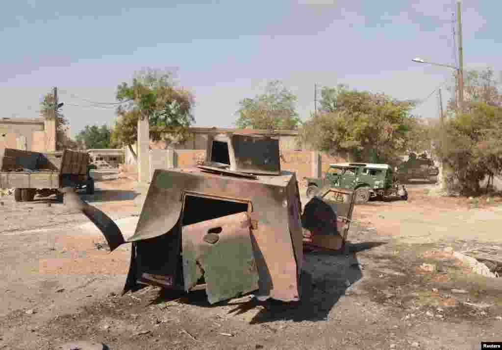 7일 시리아 알레포 반군과 정부군의 격전으로 부서진 정부군 군용차.