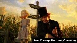 """Casi 75 años después del """"Mago de Oz"""" de Victor Fleming, los estudios Walt Disney recrearon los orígenes de Oz."""