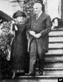哈丁夫妇在白宫