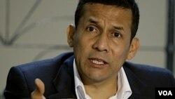 """Están tratando de dañar a Ollanta"", dijo el presidente venezolano Hugo Chávez en Uruguay."