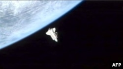 Американский шаттл Discovery отстыковался от Международной космической станции и готовится к возвращению на Землю. 7 марта 2011 года