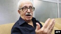 Tarık Aziz, Şii politikacıları hapsetmek, sürgüne göndermek ve öldürmek suçlarından ölüm cezasına çarptırıldı