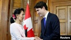 加拿大總理杜魯多2017年6月會見到訪的緬甸文職領導人昂山素姬(路透社)