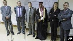 Представитель Сирийского национального совета в России, член движения «Декларация Дамаска» профессор Махмуд Хамза (третий слева)