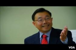 亚太法律中心主任郭志明 (美国之音国符拍摄)