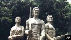 বাংলাদেশের নির্দলীয় ইতিহাস সম্পর্কে লেখক গোলাম মুরশিদ