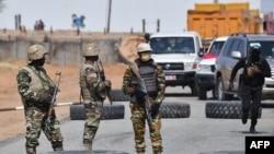 Des insurgés tuent 13 soldats nigérians