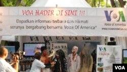 Wawancara VOA dengan Komunitas Pencinta Horor: Komunitas JAKK (Jeritan Anda Kepuasan Kami) di Urban Fest, Ancol (20/11).