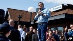 El precandidato republicano Ted Cruz se encuentra en plena campaña en Wisconsin y reta a Donald Trump para participar en un debate conjunto antes de las primarias.
