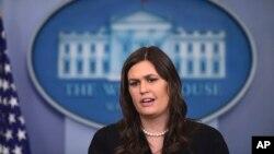 새라 허커비 샌더스 백악관 대변인이 12일 정례 브리핑에서 북한 문재에 관해 언급했다.