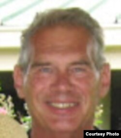 Helmut Norpot, profesor političkih nauka na Univerzitetu države Njujork