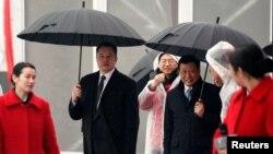 时任上海市长应勇和特斯拉CEO马斯克在上海出席投资50亿美元的特斯拉电动车超级工厂破土动工典礼(路透社2019年1月7日资料照)。