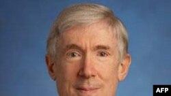 Thứ trưởng Ngoại giao đặc trách các vấn đề kinh tế, năng lượng và nông nghiệp Robert Hormats