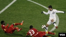 Benny Feilhaber estuvo cerca del gol, pero la buena marca ghanesa anuló a los jugadores estadounidenses que se despidieron de Sudáfrica.