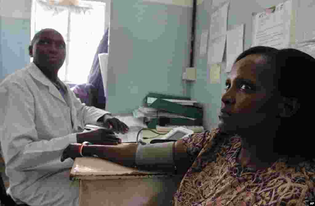 肯尼亚这位40岁、有三个孩子的母亲在2006年感染了爱滋病病毒 。(AP)
