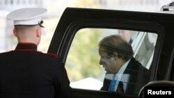 巴基斯坦总理谢里夫2013年10月23日抵达白宫会晤美国总统奥巴马。