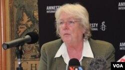 国际特赦高级研究主任尼古拉.达克沃斯( 美国之音 谭嘉琪拍摄)