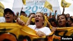 El alcalde opositor Carlos Ocariz, publicó el acta del CNE que corrobora que la meta del 1 %, unas 200 mil firmas, para el proceso fue alcanzada.