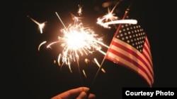施放焰火是美国独立日的传统