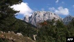 Daerah pariwisata Theth di Albania.