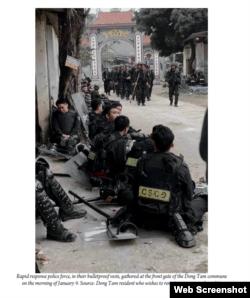 Báo cáo đăng hình CSCD tấn công vào Đồng Tâm ngày 09-01-2020. Hình do một người dân Đồng Tâm ẩn danh cung cấp cho Nhóm làm Báo cáo.