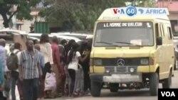Bato bazali kowela komata na minibus na Kinshasa