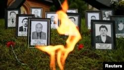 체르노빌 원전 폭발사고 30주년을 맞아 26일 우크라이나 수도 키예프에서 당시 사망한 소방대원들을 추모하는 기념식이 열렸다.
