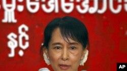 พรรคฝ่ายค้านพม่าขอให้ประเทศตะวันตกทบทวนเรื่องมาตรการลงโทษทางเศรษฐกิจต่อรัฐบาลพม่า