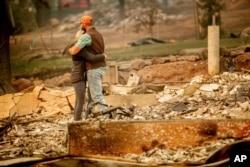 El masivo incendio, que destruyó casi 14.000 viviendas en Paradise y comunidades cercanas, quedó totalmente controlado en el fin de semana tras arder durante más de dos semanas.