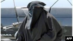 Fransa hökuməti ölkə boyu müsəlman qadınlara burqa örtməyə qadağa qoyan qanunun qəbulunu istəyir