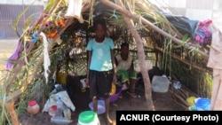 Refugiados congoleses no centro de Mussungue, no Dundo.