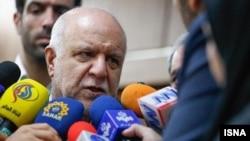 ایران کے وزیر برائے تیل بيژن نامدار زنگنه (فائل)