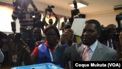 Isaías Samakuva, président du principal parti d'opposition angolais, l'Unita, lors des élections générales à Luanda, Angola. 23 août 2017.
