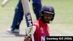 د نیپال کپټان ۱۱۵ منډې وکړې