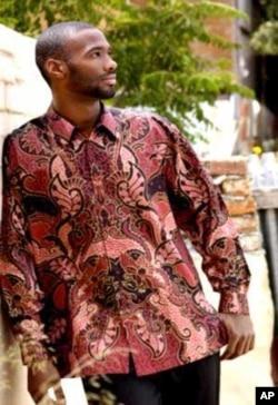 One of Buirski's models wearing a 'Madiba shirt'