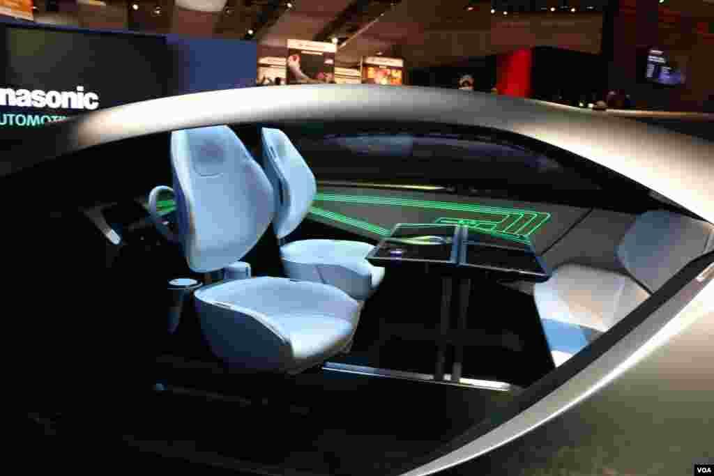 نمایشگاه محصولات الکترونیکی CES پاناسونیک هم از خودروی بدون راننده خود رونمایی کرد، در این خودرو هرگز احساس نمی کنید در یک اتومبیل نشسته اید. با روحیه شما، راحتی شما را تنظیم می کند.