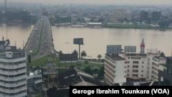 Vue sur la ville d'Abidjan, Côte d'Ivoire, 8 octobre 2017.