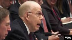 John McLaughlin, mantan direktur CIA memberikan kesaksian di depan komisi Kongres AS, mengenai ancaman nuklir Korea Utara, Rabu (1/3).